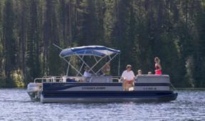 Pontoon boat on Priest Lake near Elkins Resort