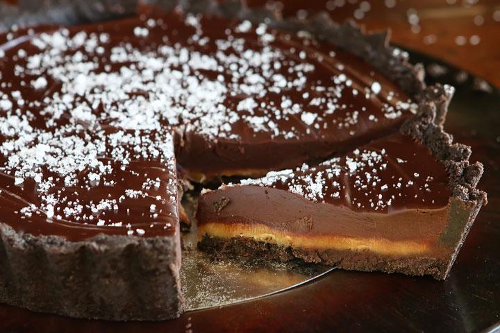 Salted caramel Oreo pie